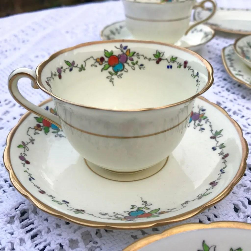 Wickstead's-Art-Deco-English-Tuscan-China-Tea-Set-(1)