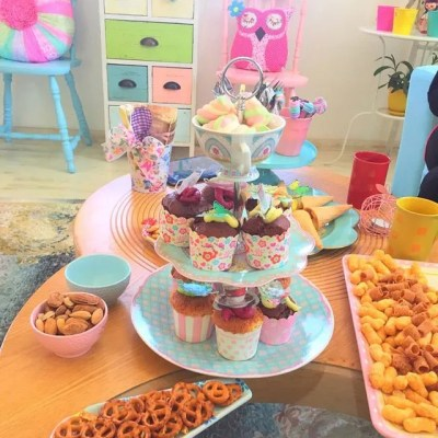 Wickstead's-Eat-Me-Customer-Photo-of-our-Edible-3D-Mini-Multicoloured-Butterflies-(6)