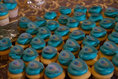 Wickstead's-Eat-Me-Customers-Photos-of-our-Peacock-Feathers-on-a-Wedding-Cake-and-Cupcakes-(4)