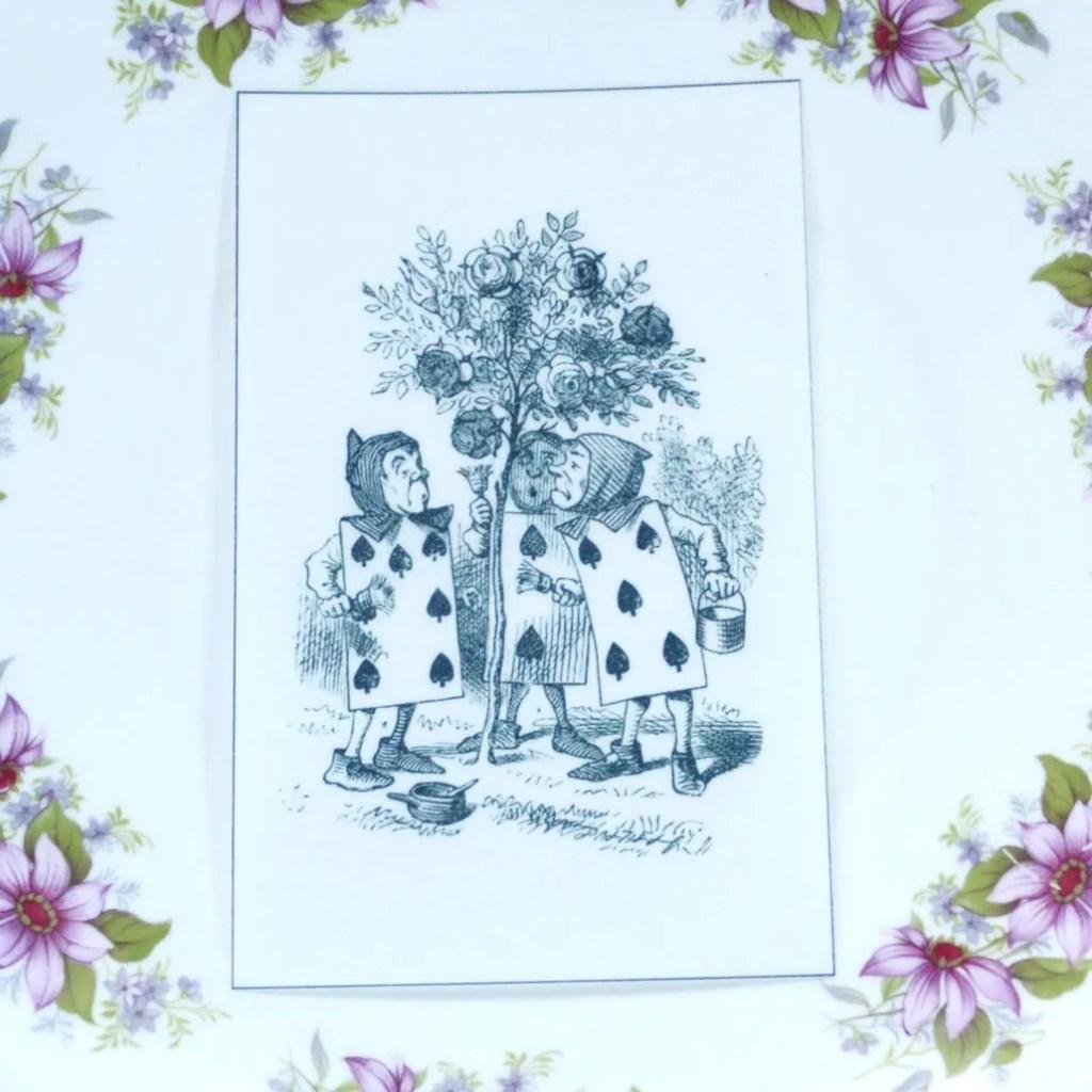 Wickstead's-Eat-Me-Edible-Black-&-White-Alice-in-Wonderland-Illustrations-Cards