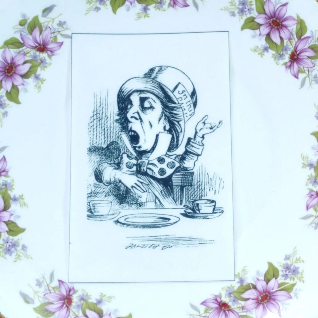 Wickstead's-Eat-Me-Edible-Black-&-White-Alice-in-Wonderland-Illustrations-Mad-Hatter