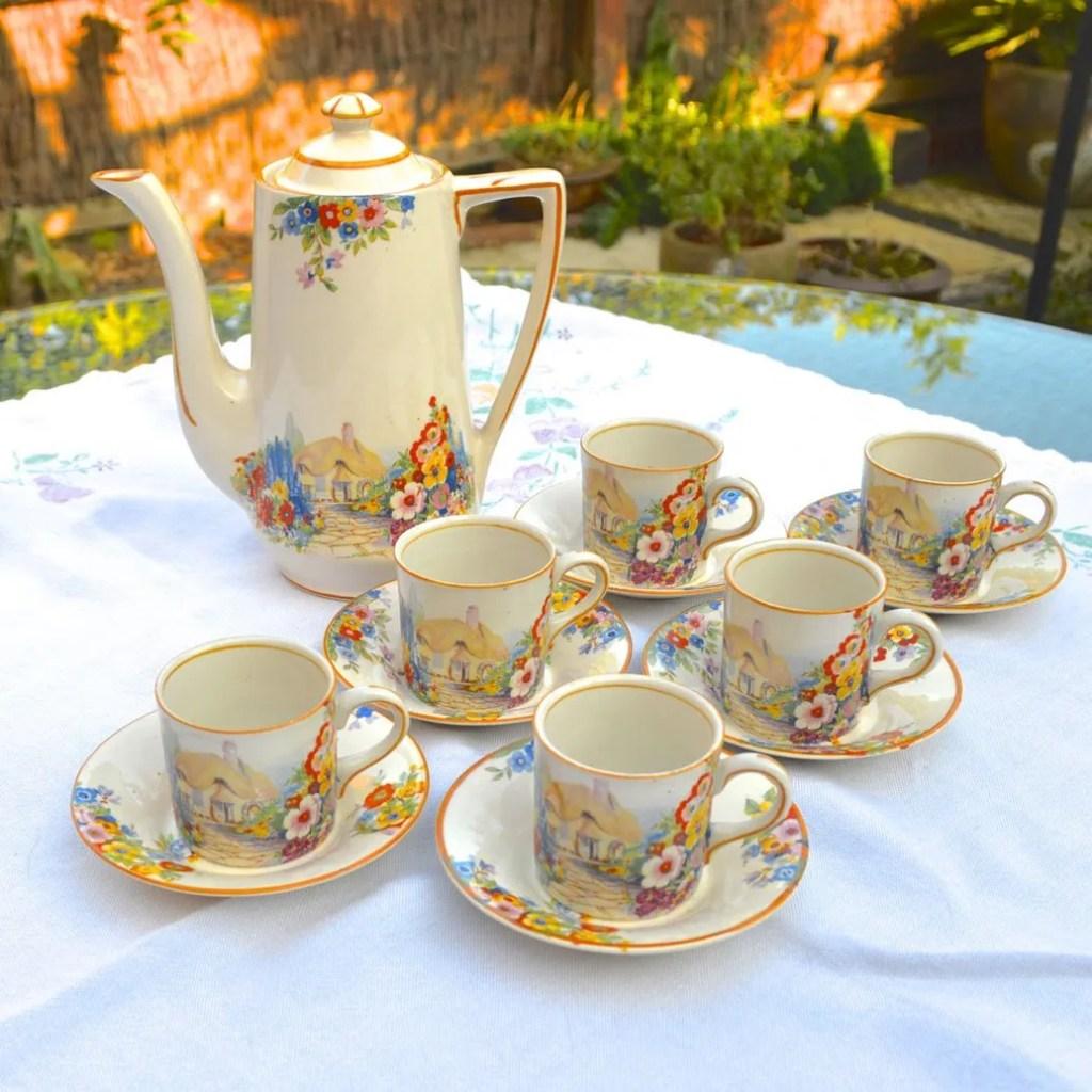 Wickstead's Vintage Hampton Ivory Olde English Garden China Espresso Coffee Can Set