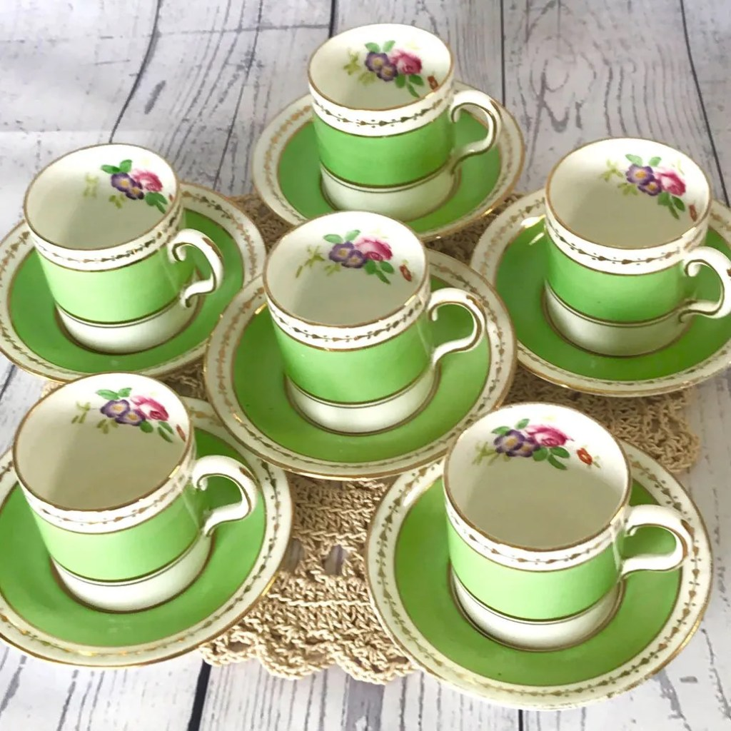 Wickstead's-Home-&-Living-Dainty-Coffee-Can-Cups-&-Saucers-Spring-Lime-Green-Set-(3)
