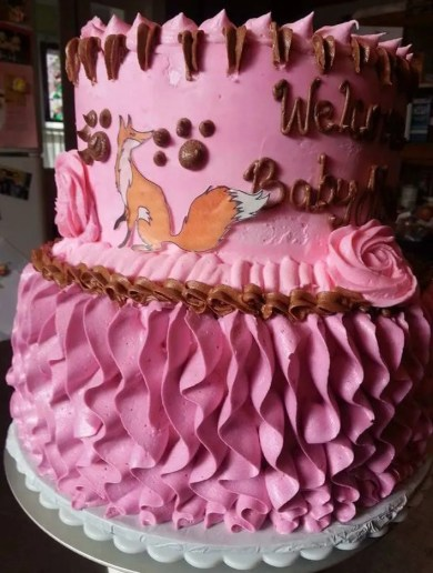 Wickstead's-Eat-Me-Customer-Photo-of-our-Medium-Foxes-on-a-Pink-Cake