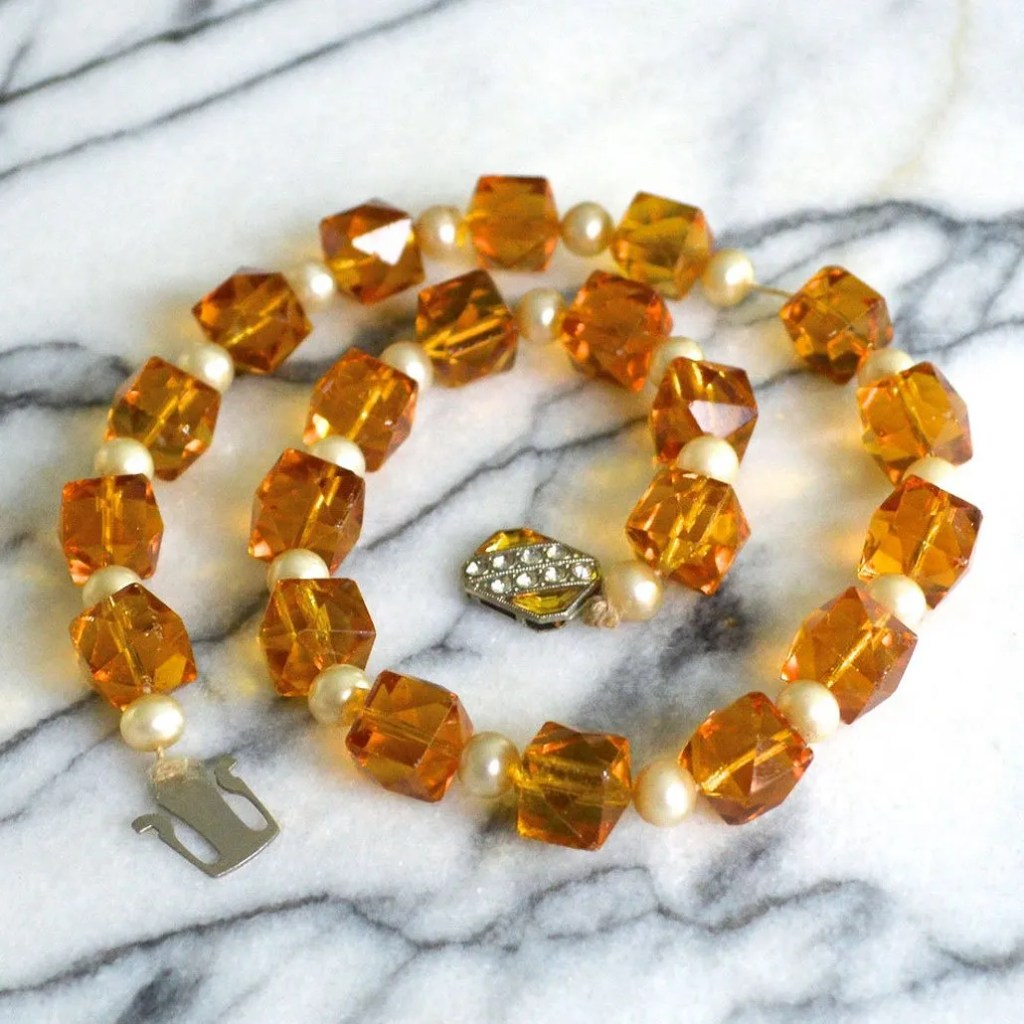 Wickstead's-Jewels-&-Treasures-Art-Deco-Soft-Amber-Crystal-Beads-and-Faux-Pearls-Necklace-(3)