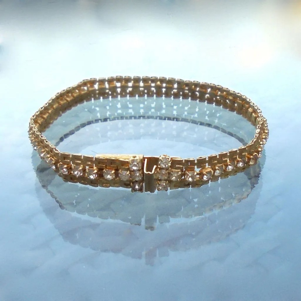 Wickstead's-Jewels-Treasures-Vintage-Costume-Jewellery-Gold-Chain-Bracelet-Clear-Diamante-Rhinestones-(4)