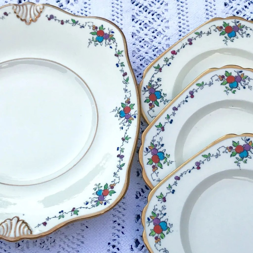 Wickstead's–Home-&-Living–Art-Deco-English-Tuscan-Hand-Painted-Plates-(5)