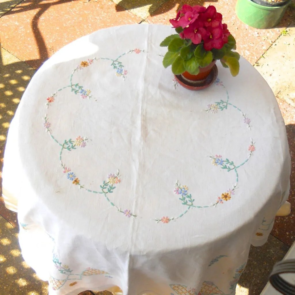Wickstead's-Home-&-Living-Pastel-Flower-Embroidery-Square-Tablecloth-(2)
