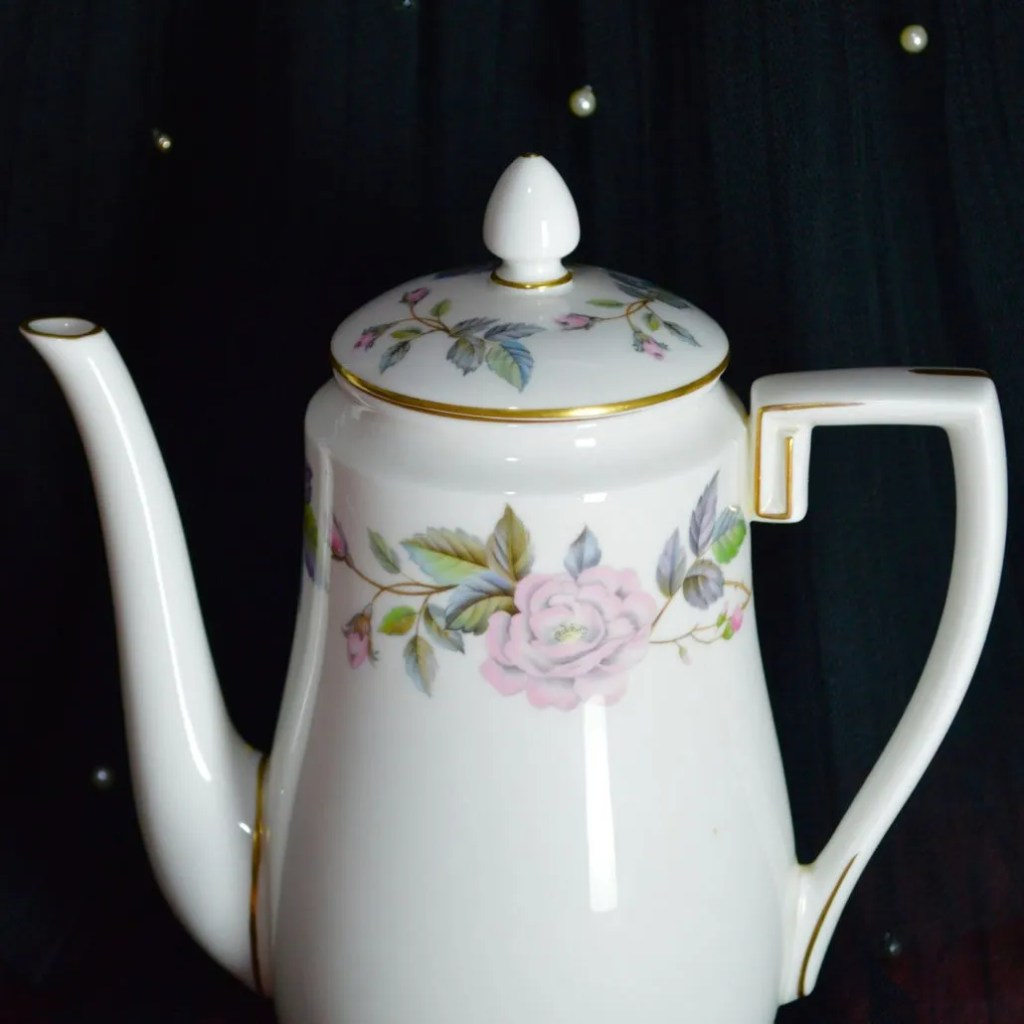 Wickstead's–Home-&-Living–Royal-Worchester-June-Garland-Coffee-Pot-(5)