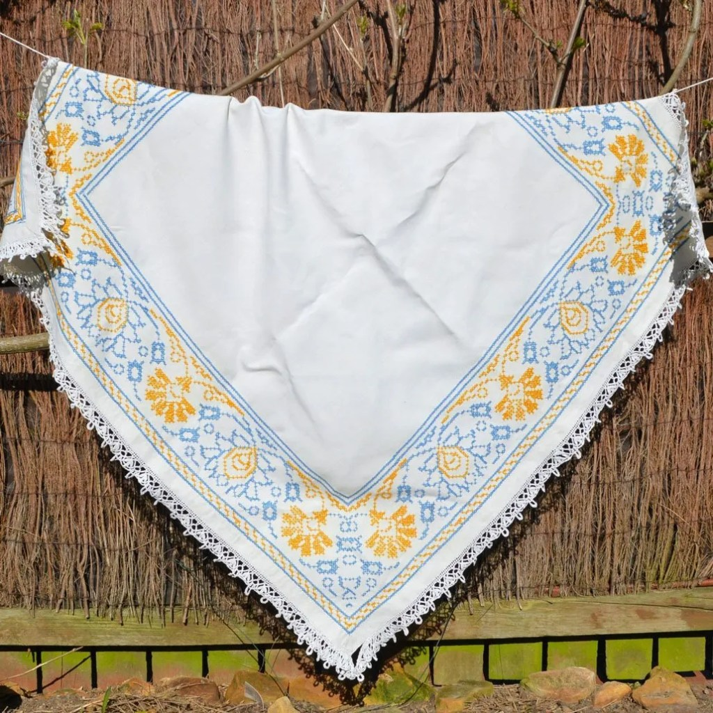 Wickstead's-Home-&-Living-Yellow-Blue-Cross-Stitch-Square-Tablecloth-(5)