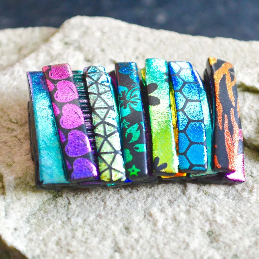 AWD-Large-Dichroic-Brooch-patterned-stripes-textured-(1)