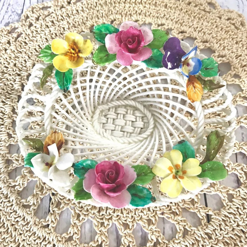 Small-Crown-Staffordhsire-Flower-Basket-(1)