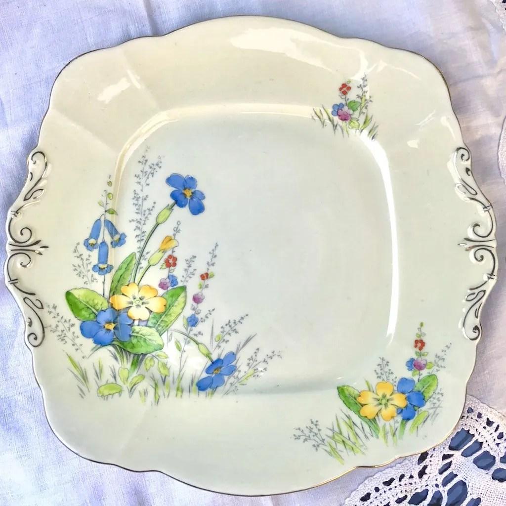 Wicksteads Home & Living Afternoon Tea Paragon Art Deco Sandwich Plate Primroses (1)