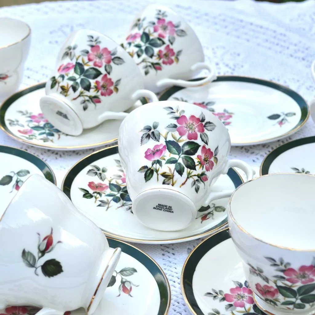 Wicksteads-Home-&-Living-Vintage-Cups-&-Saucers-Royal-Grafton-Wild-Briar-Rose-(4)
