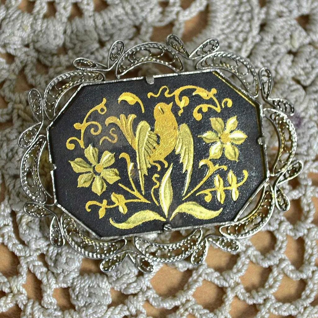 Wicksteads-Jewels-and-Treasures–Damascene-Brooch-Bird-&-Flowers-(1)