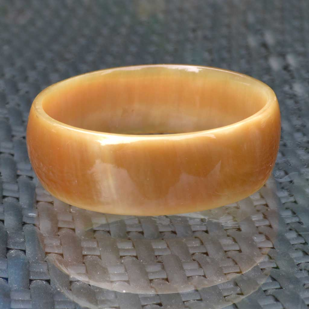 Wicksteads-Jewels-and-Treasures-Vintage-Lucite-Bangle-Faux-Horn-(2)