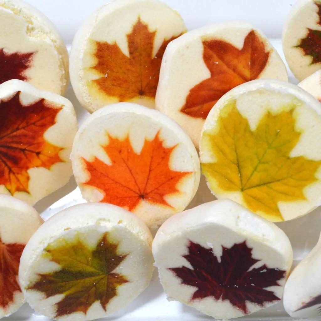Wickstead's-Eat-Me-Edible-Meringue-Transfer-Sheets–Maple-Leaves-(1)