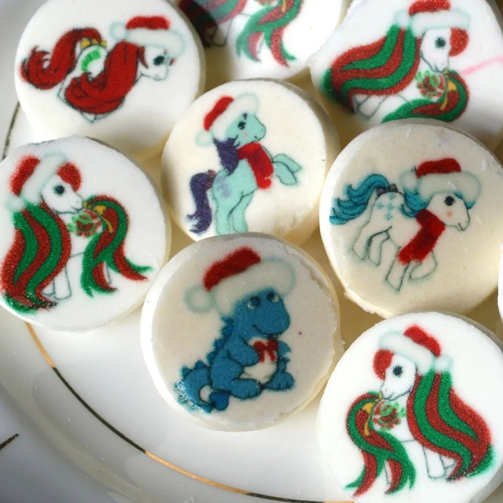 Wickstead's-Eat-Me-Edible-Meringue-Transfer-Sheets–My-Little-Pony-Christmas-Designs-(2)