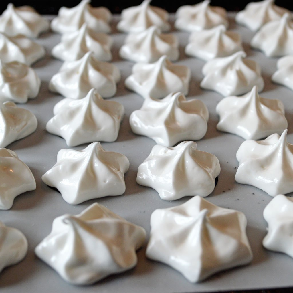 Wickstead's-Eat-Me-Edibles-Transfer-Sheets-Meringues-Piped-(2)
