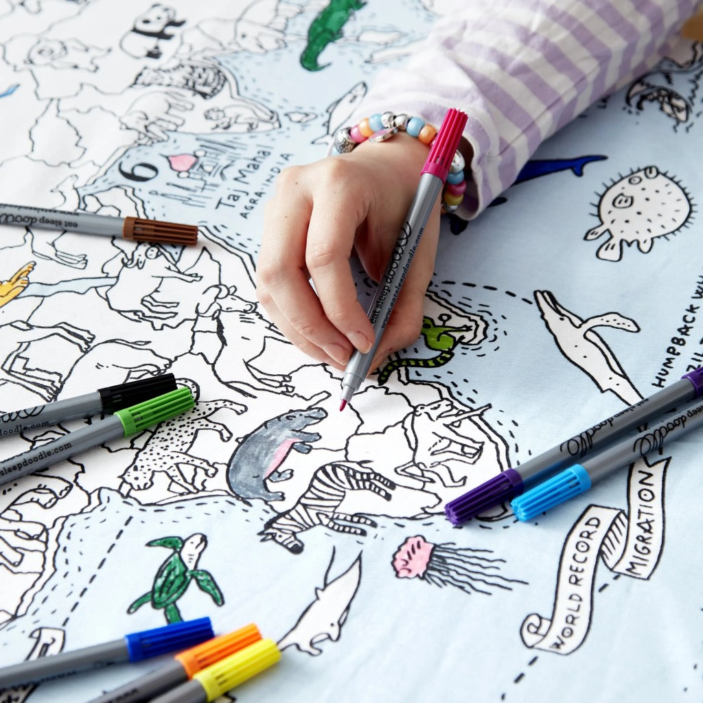 MAPTS world map tablecloth lifestyle (1)