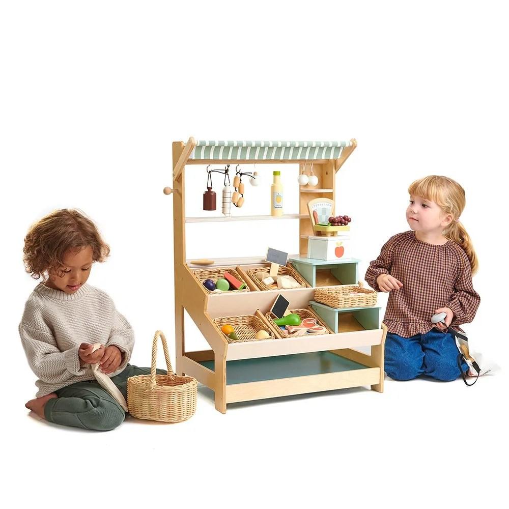 TL8258 market with 2 children (1)