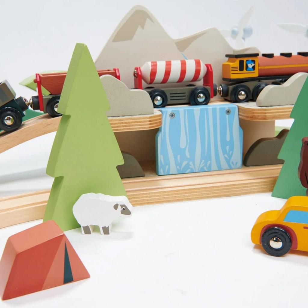 TL8703-mountain-view-train-set-23