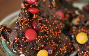 Barkin' Good M&M's Halloween Bark Recipe – #MMsGetCorny