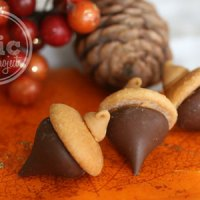 How to Make Chocolate Peanut Butter Acorns