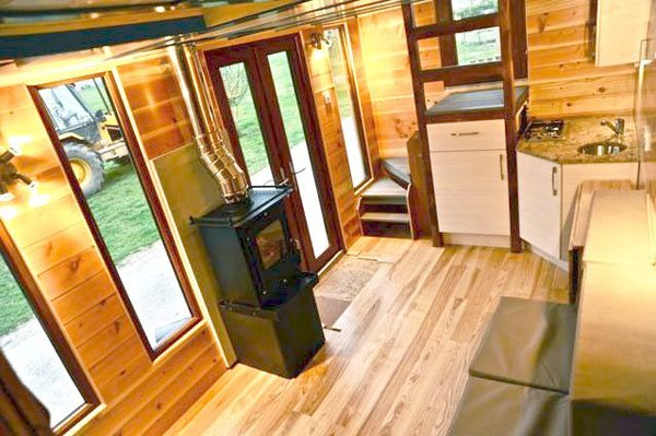 hot-tub-house downstairs