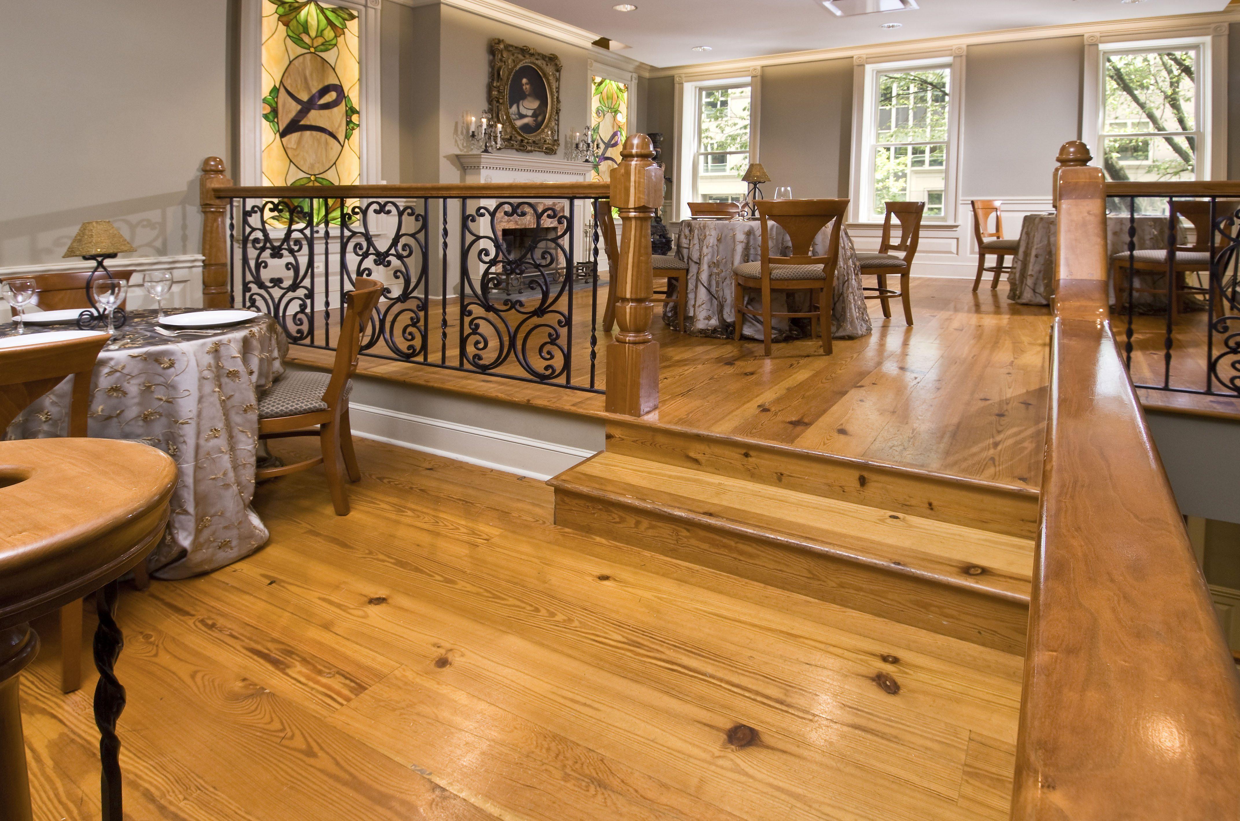Reclaimed Heart Pine Flooring in Commercial Dining Room