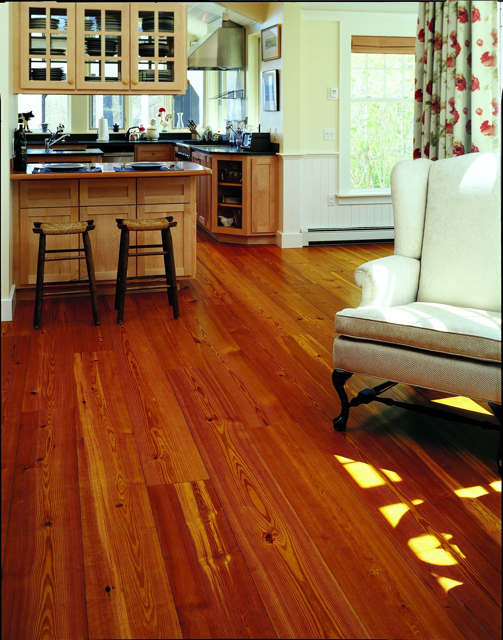Reclaimed Heart Pine Floors in Kitchen and Sitting Area
