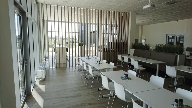 Kantine, Treppen + Bürofläche Schaeffler - internationale Kunde in Deutschland
