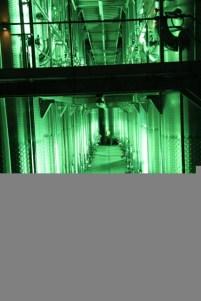 11 Schaut aus wie ein Raumschiff, ist aber ein moderner Weinkeller