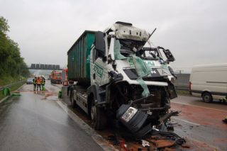 Lkw Unfall A3 LM