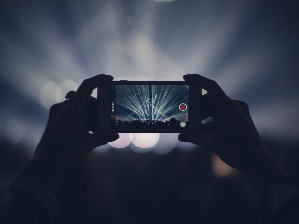 Smartphone beim Filmen