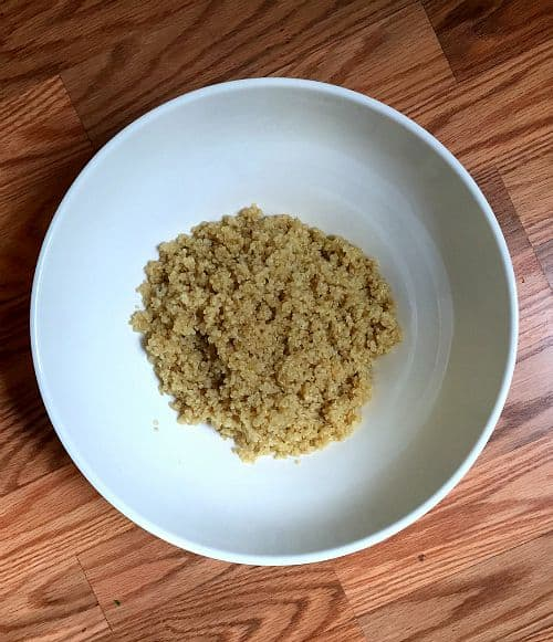 tomato mozzarella quinoa salad
