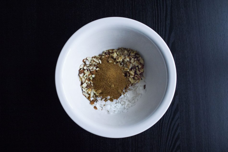 Skillet Paleo Apple Crisp {Grain, Gluten, & Dairy Free}
