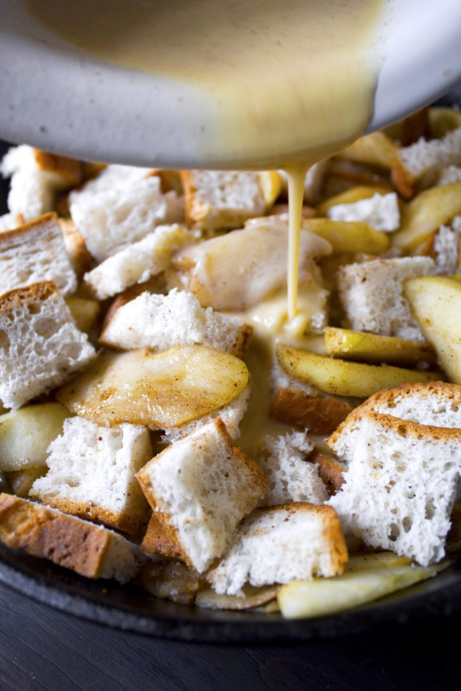 Apple Crisp French Toast Bake | Refined sugar free. Can be adapted to be gluten and dairy free also.