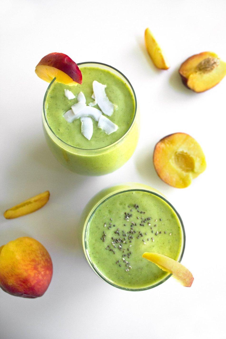 Peachy Kale Smoothie | Simple, dairy free & vegan!