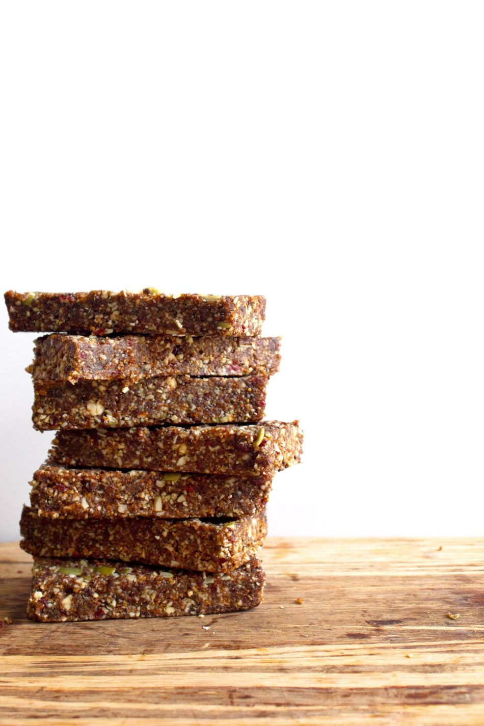 Raw Fig and Nut Bars | Gluten/grain free and full of wholesome ingredients.