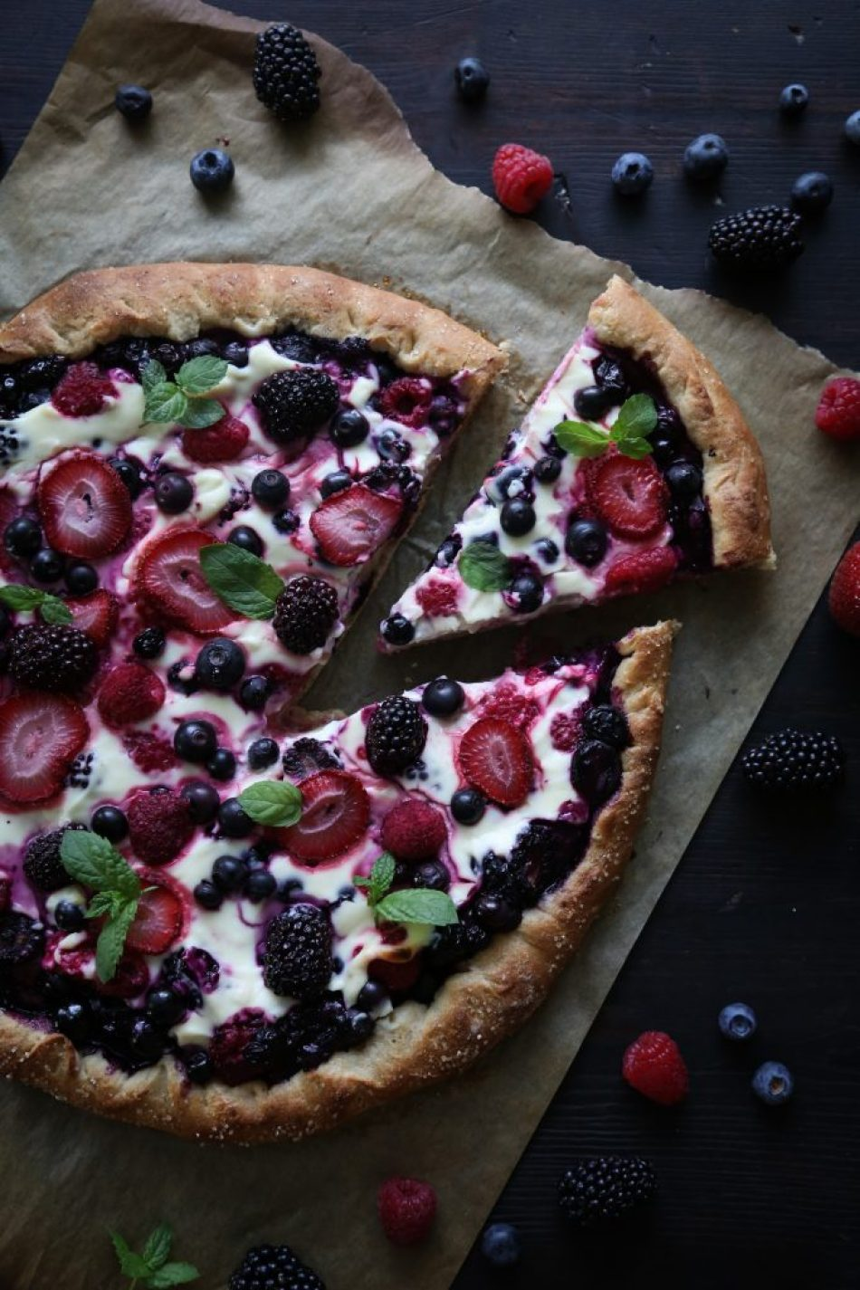 Mixed Berry Cheesecake Pizza