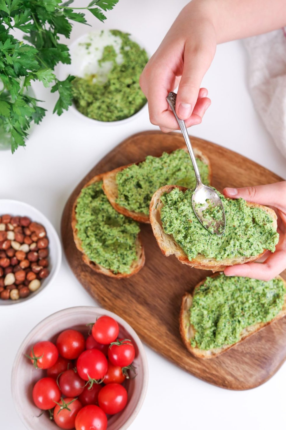 Hazelnut Pesto Bruschetta with the Hestan Cue | Wife Mama Foodie