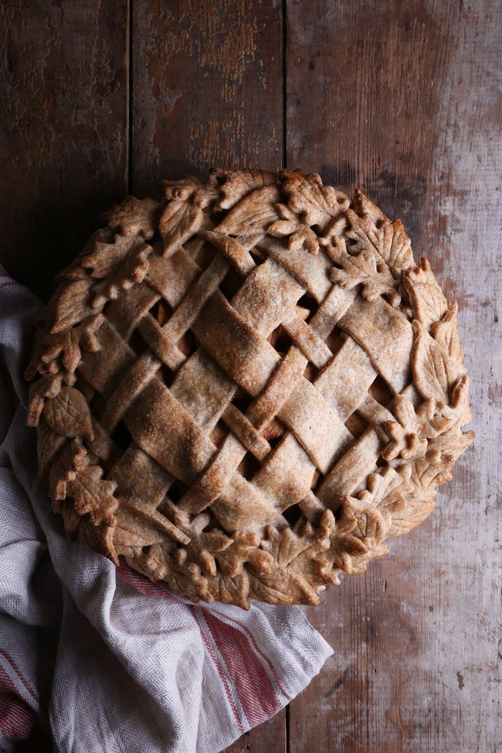 Vegan Spelt Apple Pie | Wife Mama Foodie