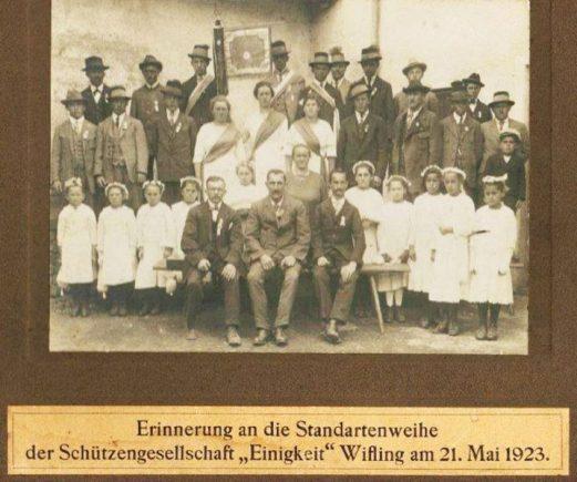 Schützengesellschaft Wifling bei der Standartenweihe am 21. Mai 1923