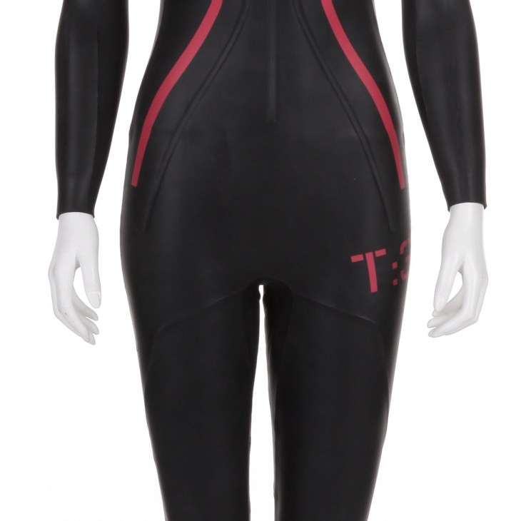 https://i0.wp.com/www.wigglestatic.com/product-media/5360066163/Ladies-T3-Team-Wetsuit-226-0101.jpg?resize=730%2C730