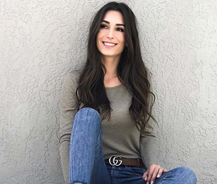 Astrid Loch Biography. Age. Wiki. Height. Weight. Boyfriend. Family & More