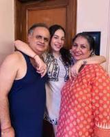 Nitibha Kaul with her parents