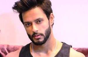 shivam-dube-biography-height-age-family-girlfriend-facts