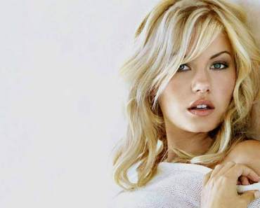 Elisha Cuthbert wiki, age, Affairs, Family and More