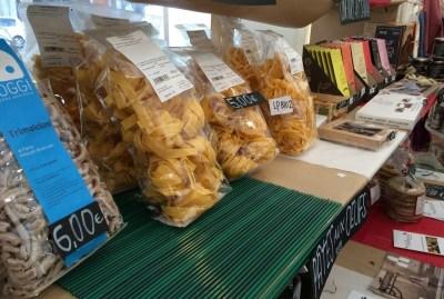 WIKI HOSTEL FAMILY pantasema farming market expo pasta